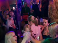 парти, пияни, групов секс