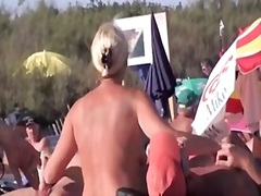 французойки, кур, мъж, плаж
