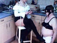 kvindelig dominans, latex