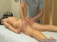 z oljem, masaža, joške, erotično